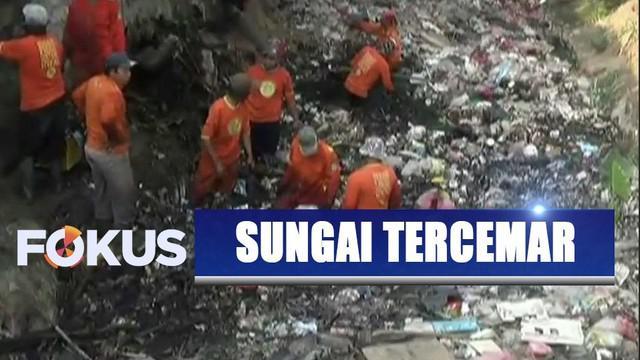 Sejumlah kali di Kabupaten Bekasi kembali dicemari oleh sampah yang menumpuk.