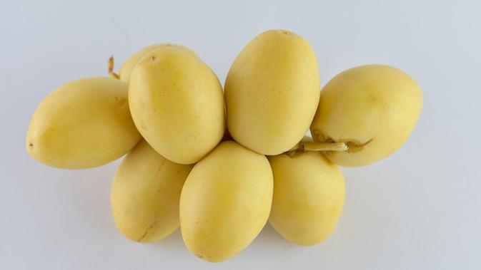 Ilustrasi kurma muda berwarna kuning. (dok. Picturedesign96/Pixabay/Tri Ayu Lutfiani)