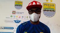 Bek Persib Bandung, Victor Igbonefo. (Bola.com/Erwin Snaz)
