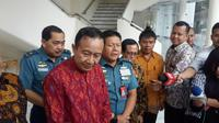 Ketua Parisadha Hindu Dharma Indonesia (PHDI) Wisnu Bawa Tenaya bersama beberapa anggota lainnya. (Liputan6.com/Putu Merta Surya Putra)
