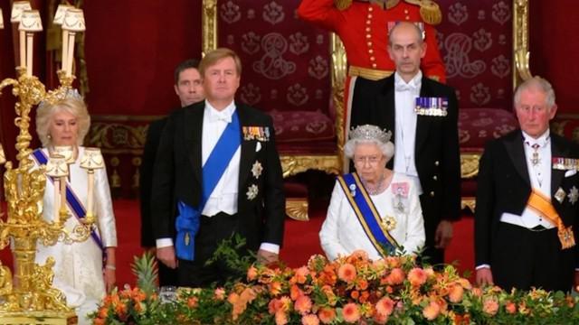 Ratu Elizabeth II Inggris pada Selasa membuat komentar publik pertamanya tentang Brexit selama perjamuan negara untuk menghormati para bangsawan Belanda, Raja Willem-Alexander dan istrinya, Ratu Maxima.