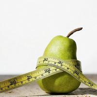 Bukan hanya apel, ternyata pir juga bisa menjauhkanmu dari lemak yang berlebih.