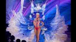 Miss USA 2014, Nia Sanchez berpose memperagakan busana nasional negaranya dalam ajang kompetisi Miss Universe di Florida, Rabu (21/1/2015). (REUTERS/Miss Universe Organization)