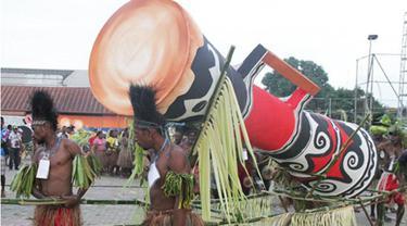 Masyarakat Adat Marin di Merauke Gelar Parade Lima Tifa Raksasa