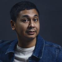 Raditya Dika, pemain dan sutradara film Target. (Fotografer: Daniel Kampua, Digital Imaging: Muhammad Iqbal Nurfajri/Bintang.com)