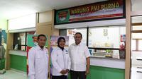 (Kiri - Kanan) Kepala BP3TKI Jakarta, Mucharon Ashadi, PMI Purna Berusaham Nurchaeti, dan Direktur Pemberdayaan BNP2TKI A Gatot Hermawan.