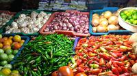 Cabai dan bawang di Pasar Slipi. Dok: Tommy Kurnia