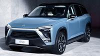 SUV listrik Nio ES8 tawarkan kepraktisan berkendara (Carscoops).