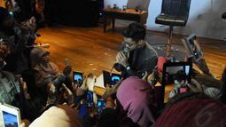 Dalam acara tersebut, para fans juga bisa memainkan berbagai macam games seru dan menyanyi bersama Afgan, Jakarta, Jumat (18/7/14). (Liputan6.com/Andrian M Tunay)