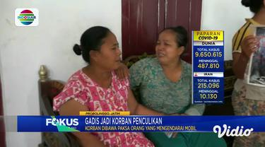 Menangis histeris, begitulah ungkapan seorang ibu yang kehilangan putrinya, korban berusia 19 tahun saat itu pergi bersama sang ibu untuk meminjam laptop ke rumah kerabat. Di tengah jalan, sang ibu berhenti di masjid Jalan Raya Banjarsari, Kecamatan ...