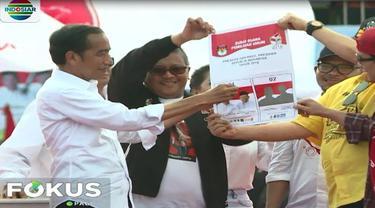 Jokowi mengajak pendukungnya untuk melawan informasi-informasi yang menyesatkan dan memecah belah sesama anak bangsa itu.