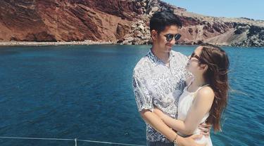 Gaya Tasya Kamila dan Randi Bachtiar bulan madu. (Instagram/randibachtiar)