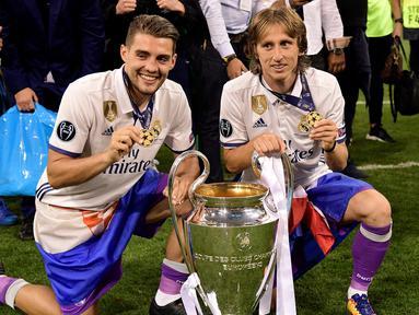 Sejak 2012/2013, selalu ada pemain asal Kroasia yang mampu mengangkat trofi Liga Champions untuk tim yang dibelanya. Bahkan, Luka Modric melakukannya 4 kali bersama Real Madrid. Musim ini apakah tren akan berlanjut? Mateo Kovacic di Chelsea yang akan menjawab. (AFP/Javier Soriano)