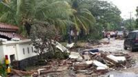 Kondisi jalan usai tsunami anyer (Foto: Dok PLN)