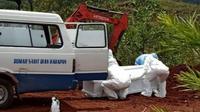 Pemakaman pasien covid-19 di Kota Jayapura yang dilakuan pada Minggu pagi (5/4/2020) di Pemakaman Buper Waena. (Liputan6.com/istimewa)