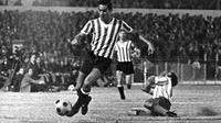 Ramon Aguirre Suarez dikenal dengan permainan keras. (Twitter Estudiantes)
