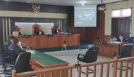 Sidang Bupati Bengkalis non aktif, Amril Mukminin, di Pengadilan Tipikor Pekanbaru. (Liputan6.com/M Syukur)