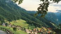 Desa Treisenberg. Walaupun dikenal sebagai negara netral cinta damai, ternyata Swiss pernah 3 kali melakukan 'invasi' ke negara lain. (Sumber warhistoryonline.com)