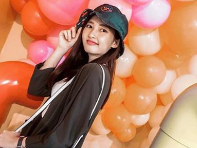 Thefani Cindy adalah selebgram asal Indonesia. Dirinya semakin dikenal semenjak warganet mengatakan bahwa dirinya mirip dengan salah satu K-Star, Bae Suzy. (Liputan6.com/IG/cindythefannie)