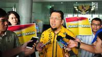 Ketua GMPG, Ahmad Doli Kurnia memberi keterengan kepada awak media usai mendatangi Komisi Yudisial, Jakarta, Senin (31/7). Menurut Doli, proses hukum yang sedang berlangsung tidak boleh diganggu ataupun diintervensi. Liputan6.com/Helmi Afandi)