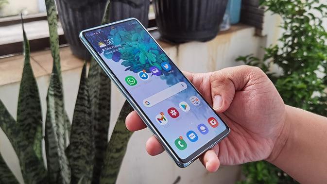 Tampilan Samsung Galaxy S20 FE (Liputan6.com/Agustinus M. Damar)