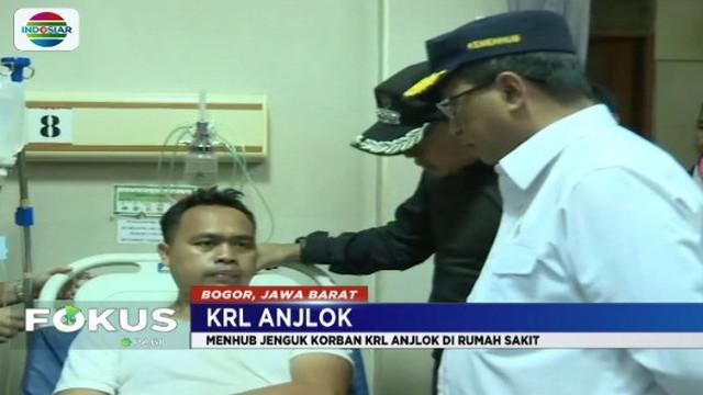 Menhub Budi Karya dan Dirut PT KAI jenguk korban kecelakaan KRL di Bogor. Biaya perawatan rumah sakit para korban akan ditanggung sepenuhnya oleh PT KAI.
