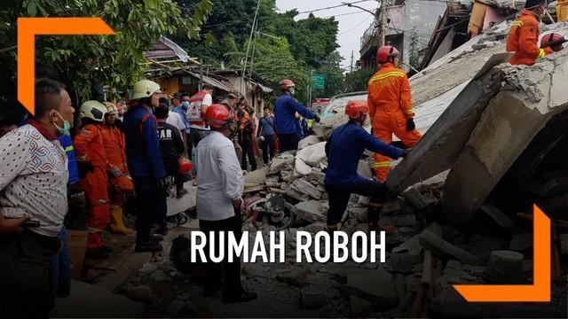 Detik-detik penyelamatan seorang pria yang tertimpa reruntuhan bangunan di Thailand. Aksi penyelamatan berlangsung selama 20 menit.