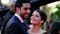 Tujuh tahun menikah, pasangan Abhishek Bachchan-Aishwarya Rai jauh dari gosip miring.