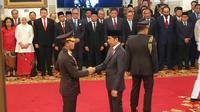 Presiden Joko Widodo melantik Idham Azis sebagai Kapolri di Istana Negara, Jumat (1/11/2019). (Liputan6.com/ Lizsa Egeham)