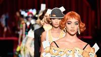 Moschino di Milan Fashion Week 2017.