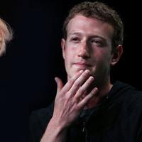 Ketika Mark Zuckerberg tak sepakat dengan Donald Trump.