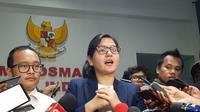Sekjen PSSI, Ratu Tisha, dipersiksa selama 4 jam oleh Satgas Antimafia Bola dan hanya menjawab 23 dari 40 pertanyaan yang disediakan. (Bola.com/Zulfirdaus Harahap)