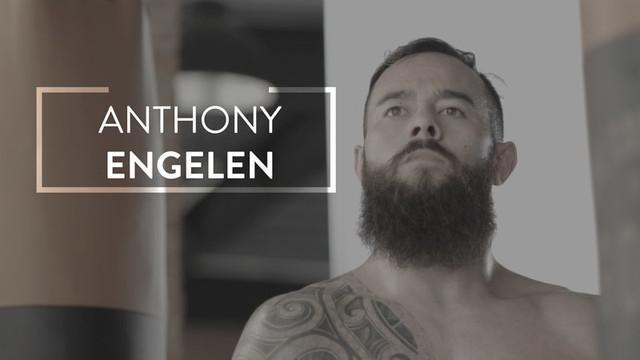 Berita video Anthony Engelen, petarung MMA Belanda yang memiliki darah Manado dan Inggris, yang mengidolai salah satu tokoh wayang, Arjuna.