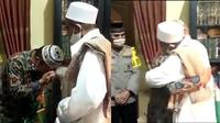 Cek Cok Satpol PP dan Habib Umar Berakhir Damai. (Sumber: Twitter: @dpplif)