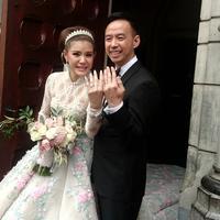 Olga Lydia menikah dengan seorang pria bernama Aris Utama. Perbedaan Olga dan Aris tidak terlalu jauh, hanya sekitar 3 tahun. (Muhamad Altaf Jauhar/DOC: Bintang.com)
