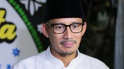 Bahkan Sandiaga Uno terlihat menyempatkan untuk datang melayat ke rumah duka yang berada di kawasan Pondok Indah, Jakarta. (Adrian Putra/Bintang.com)