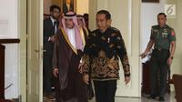 Presiden Joko Widodo menerima kunjungan Menteri Luar Negeri Arab Saudi Adel bin Al-Jubeir dan rombongannya di Istana Kepresidenan Bogor, Senin (22/10). (Liputan6.com/Angga Yuniar)