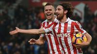 Gelandang Stoke City asal Wales, Joe Allen (kanan). (AFP/Paul Ellis)