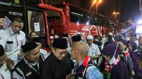 Menteri Agama, Lukman Hakim Saifuddin melepas Jemaah Haji Indonesia kloter 1 JKS di Hotel Tharawat Al Misfalah, Misfalah, Makkah, Sabtu (17/8/19). Bahauddin/MCH