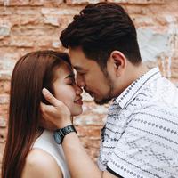 Apakah ada alasan romantis di baliknya?/Copyright shutterstock.com