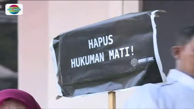 Massa gelar unjuk rasa terkait eksekusi mati Zaini Misrin di depan Kedutaan Besar Arab Saudi, Jakarta.