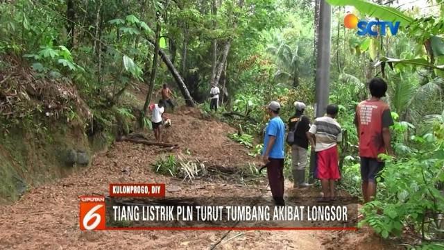 Tebing setinggi 20 meter longsor dan menimbun jalan utama di Dusun Nganti, Kulonprogo, DIY. Luncuran longsor mencapai 30 meter dengan ketebalan tiga meter.