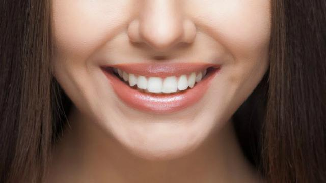 Rajin Kumur Pakai Cuka Sari Apel Terbukti Bikin Gigi Putih Alami