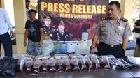 Korban miras oplosan terus berjatuhan. Terakhir, 24 warga Sukabumi jadi korban miras oplosan. (Liputan6.com/Mulvi Mohammad)