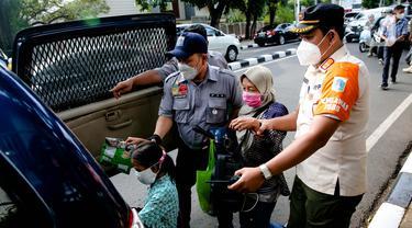 FOTO: Satpol PP Razia PMKS dan Ondel-Ondel di Jakarta Selatan