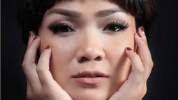 """Nggak macet. Kemana-mana 15 menit. Enak banget,"" kata Nirina Zubir di kantor Bintang.com, kawasan Gondangida, Jakarta Pusat, beberapa waktu lalu. (Deki Prayoga/Bintang.com)"