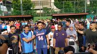 Sandiaga dan AHY berolahraga basket bareng di Bulungan, Jakarta Selatan. (Merdeka.com)