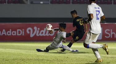 Arema FC Vs PSIS di Piala Menpora.