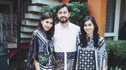 Biasanya, Syahnaz dibantu oleh asisten rumah tangga di kediamannya. Namun, karena para pembantunya tersebut mudik Lebaran, Syahnaz dan suaminya harus mengurus sendiri segala sesuatunya. (Foto: instagram.com/syahnazs)