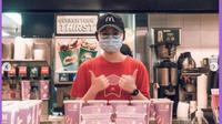 BTS Meal Rilis di Singapura, Langsung Ludes dan Dibagikan ke Petugas Bandara. (dok.Instagram @singaporeguidebook/https://www.instagram.com/p/CQa2UOqhoYW/?utm_source=ig_embed&ig_rid=b8271e8a-09f2-4d6c-bf0d-ed4274a84628Henry)